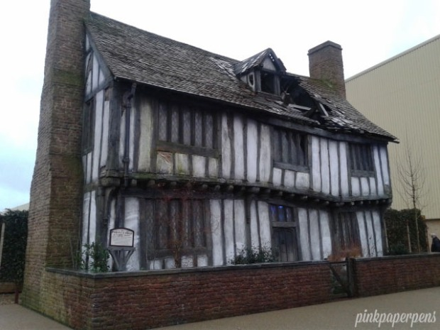 One of the sights that took me long before moving along: The ruined Potter's house in Godric's Hollow. Bittersweet.